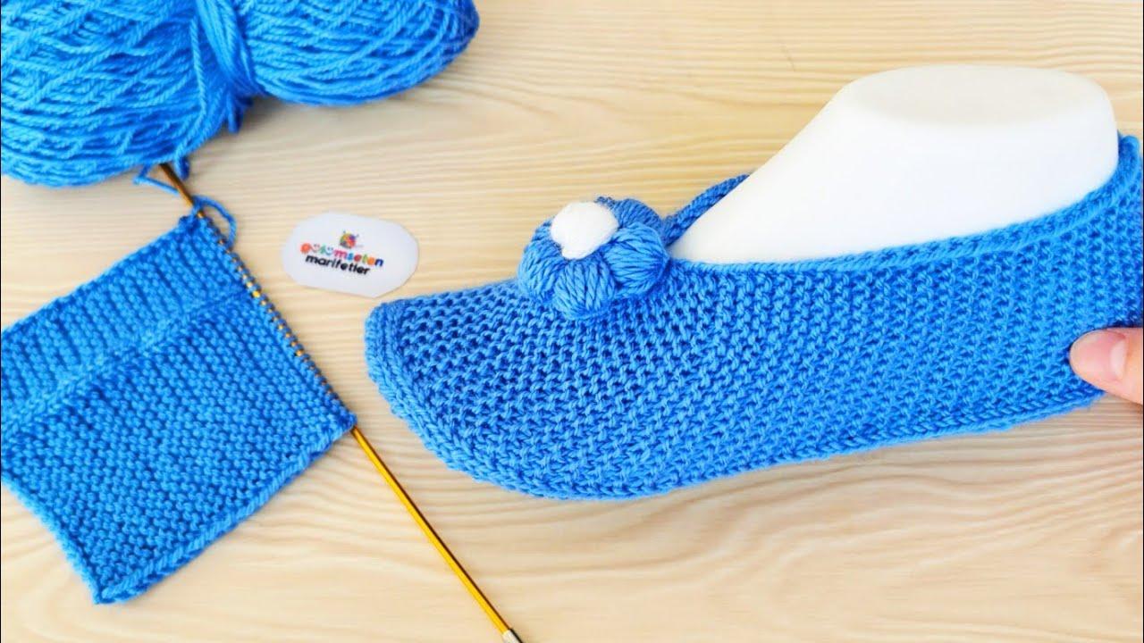 Sapato em Tricô Feminino Azul com Flor