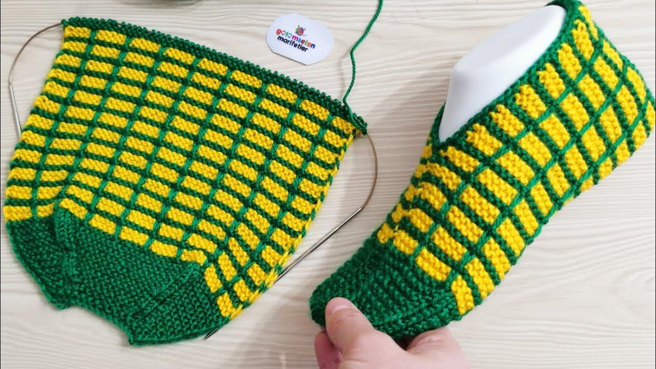 Sapato em Tricô Quadriculado Verde e Amarelo