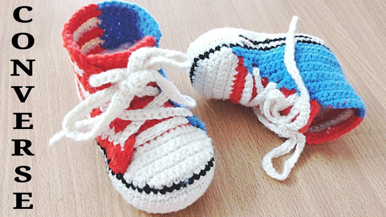 Tênis de Bebê em Crochê Vermelho e Azul