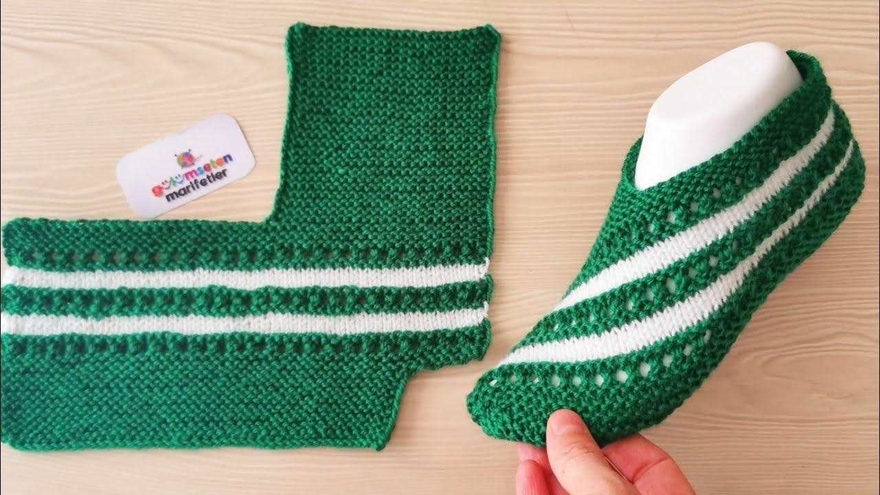 Sapato de Tricô Verde e Branco Listrado